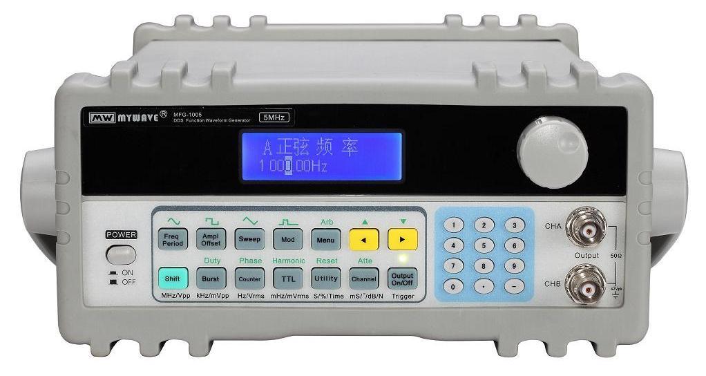 DDS函数信号发生器采用直接数字合成技术(DDS),产生多种稳定和精确的波形,具有快速完成测量工作所需的高性能指标和众多的功能特性。其简单而功能明晰的前面板设计和中/英文液晶显示界面使用户便于操作和观察,可扩展的选件功能,使用户获得增强的系统特性。